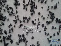 Than hoạt tính anthracite là một loại than đá. Thành phấn chủ yếu là cacbon chiếm trên 92%. Đặc điểm của than hoạt tính anthracite có màu đen bóng, có góc cạnh. Than hoạt tính anthracite có độ rỗng lớn, nên thường được sử dụng làm vật liệu lọc nước thải, lọc nước sạch với công suất lớn. Nó được tạo thành từ các phân tử cacbon liên kết vô định hình nên có độ cứng cao. Nó không bị biến đổi trong môi trường nước